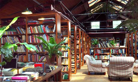 New and second-hand books a-gogo in Richard Booth's Bookshop, Hay-on-Wye