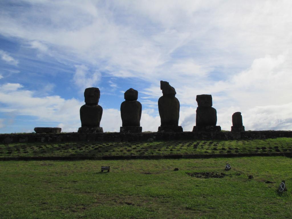 Rapa Nui Tahai moai