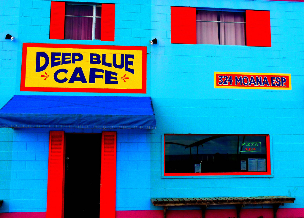 Colourful Deep Blue Cafe, South Australia - Picture by Les Haines via Flickr