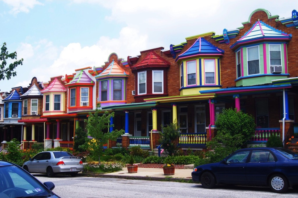 The colourful houses of Charles Village neighborhood - Picture by Kaylin Bergeson via Trover