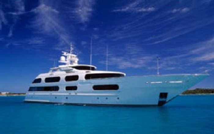 Luxury on water... - Image by Maxine Simpson via Flickr