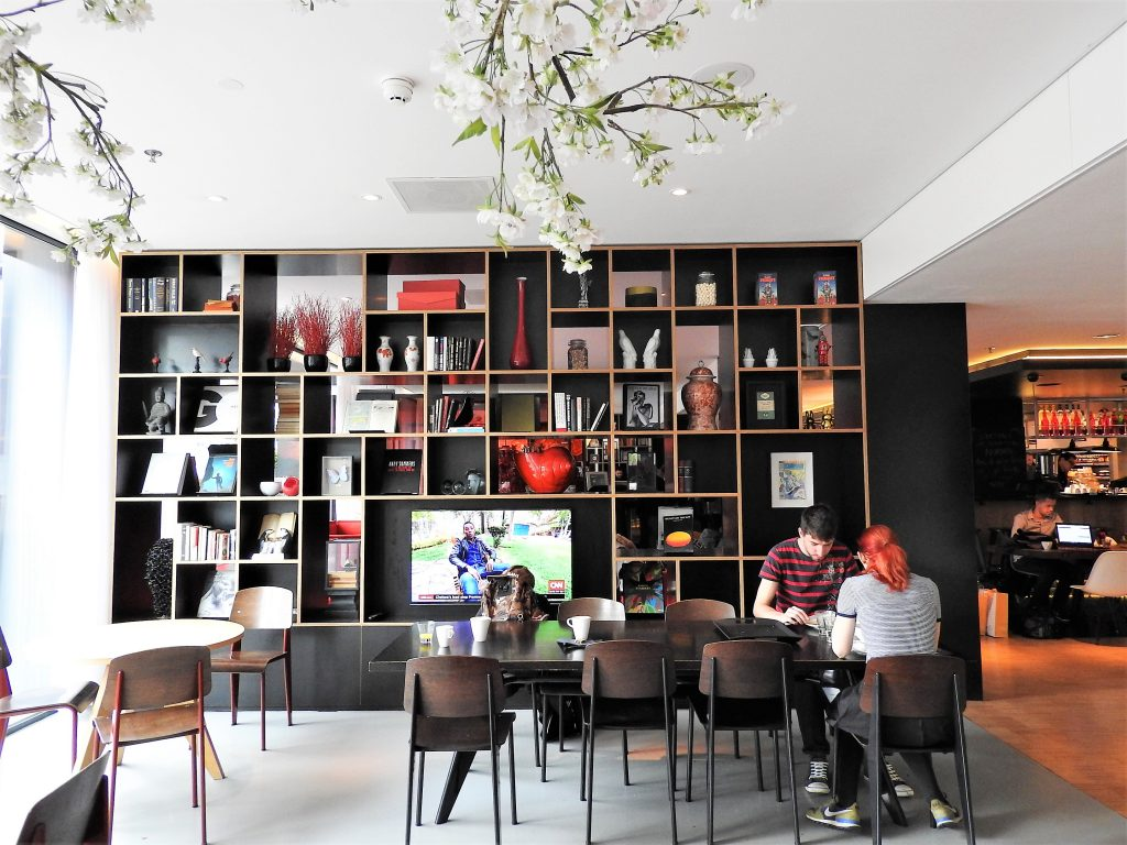 common-area-working-citizenm-amsterdam